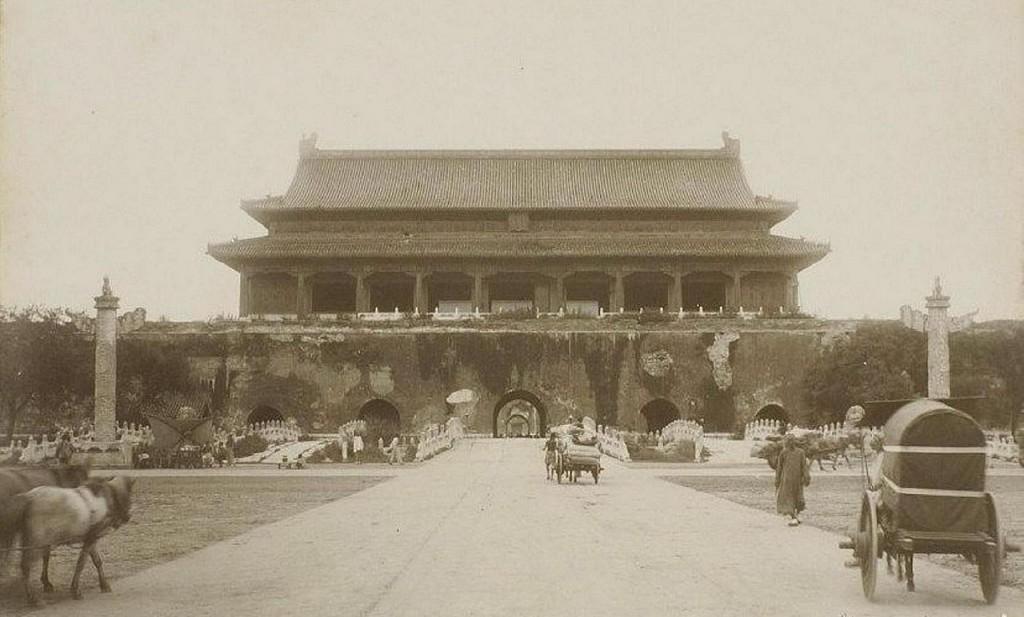 Tiananmen 1901